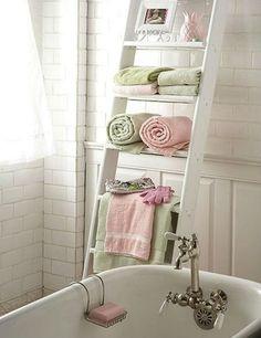 Mooie kleurencombi en leuk idee met dat trapje zo