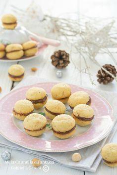 #Baci di dama, i famosi #biscottini con #crema alla #nocciola, facili da preparare e golosissimi! #recipe #yummy #cookies #food