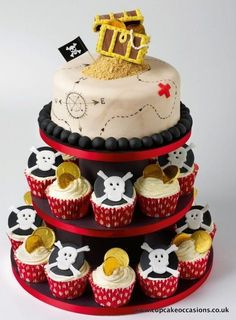 The set up will look like this... pirate cake and cupcakes