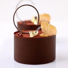 cardamon, chocolate truffle mousse and almond nougatine petits gateaux