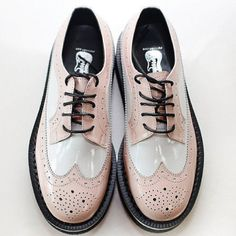 Pink and white beautiful brogues… Oxfords, Oxford Brogues, Oxford Shoes, Loafers, Cute Shoes, Me Too Shoes, Men's Shoes, Shoe Boots, Dream Shoes