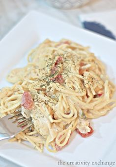 Slow Cooker Texas Chicken Spaghetti Recipe that is out of this world and so easy. The Creativity Exchange
