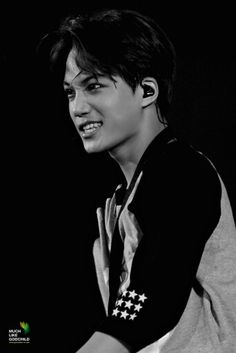 I'd like to say thanks to the mother and father of Kim Jongin for making such a perfectly gorgeous human being.