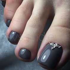 Grey Toe NailArt htt