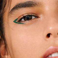The Color Eyeliner The Color Eyeliner,make-up Makeup Bold Eyeliner, Long Lasting Eyeliner, Eyeliner Looks, No Eyeliner Makeup, Green Eyeliner, Eyeliner Brands, Eyeliner Pencil, Double Eyeliner, Simple Eyeliner