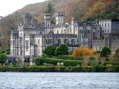 Beautiful Castles, Beautiful Places, Amazing Places, Oh The Places You'll Go, Places To Visit, Ireland Landscape, Ireland Travel, Kirchen, Nature Photos