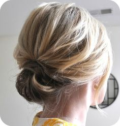 hair styles medium length hair hair with flowers hair for shoulder length hair with flower hair styles for shoulder length hair wedding hair hair jewelry hair styles medium length hair Small Things Blog, Up Hairstyles, Pretty Hairstyles, Wedding Hairstyles, Hairstyle Ideas, Bridesmaid Hairstyles, Simple Hairstyles, Style Hairstyle, Medium Hairstyles