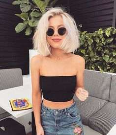 20 Popular Short Blonde Hair 2018 , Who does not like blonde hair if it is even short? Here are 20 Popular Short Blonde Hair Blonde hair is still one of top hairstyles that ladies . Petite Blonde, Laura Jade Stone, Textiles Y Moda, Blonde Haircuts, Blonde Short Hairstyles, Summer Outfits, Cute Outfits, Short Blonde, Summer Hairstyles