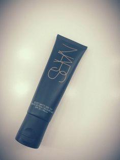 【VOGUE】撮影現場からお届け! メイクさんが愛用する、美肌づくりに欠かせない5品。(Yu Soga)|定番ファッション(流行・モード) Velvet Matte, Maputo, Beautiful Legs, Voss Bottle, Hair Makeup, Hair Beauty, Make Up, Perfume, Lipstick