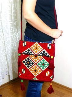 Your place to buy and sell all things handmade Carpet Bag, Red Rugs, Etsy Handmade, Handmade Gifts, Throw Rugs, Mother Day Gifts, Fiber Art, Color Mixing, Women's Accessories