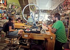 As a beginner mountain cyclist, it is quite natural for you to get a bit overloaded with all the mtb devices that you see in a bike shop or shop. There are numerous types of mountain bike accessori… Cool Bicycles, Cool Bikes, Bicycling Magazine, Mountain Biking Quotes, Cycling For Beginners, Hardtail Mountain Bike, Bicycle Store, Bicycle Brands, Bicycle Maintenance