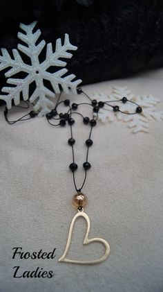 ❤Life χειροποίητο  ροζάριο με κρύσταλλα Τσεχίας κ mat gold heart shape detail . Τα κοσμήματα είναι εκείνα που ολοκληρώνουν μια γυναικεία εμφάνιση.