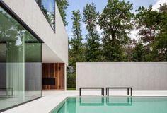 Villa D in Keerbergen, Belgium. Outdoor spaces by 't Huis van Oordeghem. Photos by Thomas de Bruyne|Cafeïne.