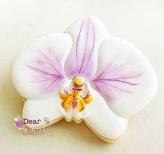 Phalaenopsis!! #SóTemAqui #DesignExclusivo  #Phalaenopsis #Orchid #Orquidea  #Wedding #Casamento  #DearSweetCookiesCo #DearSweet #DecoratedCookies #SugarArt #CookiesDecorados #CookieArt #Botanic #Botanica #PaintedCookies