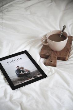 Nada como una buena taza de café y una buena lectura para comenzar el dia. / Nothing like a cup of cofee and a good book or reading.