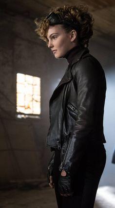 Gotham 2x10 - Selina Kyle (Camren Bicondova)