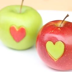 You are the apple of my eye! Show someone you love and appreciate them with this cute little hack for V-Day or anyday! You are the apple of my eye! Show someone you love and appreciate them with this cute little hack for V-Day or anyday! Cooking For Beginners, Cooking Tips, Food Crafts, Diy Food, Deco Fruit, Festa Moana Baby, Fruit Love, Kids Fruit, Fruit Fruit