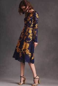 Oscar de la Renta Resort 2016 Fashion Show - Valery Kaufman
