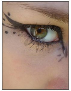 DIY Halloween Makeup : butterfly eye