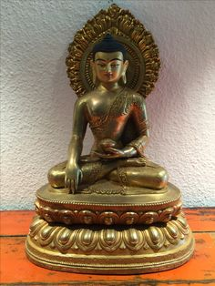 Copper/bronze Buddha. Nepal. 20th cent.