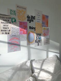 Room Design Bedroom, Room Ideas Bedroom, Bedroom Inspo, Design Room, Plakat Design, Pastel Room, Uni Room, Cute Room Decor, Wall Decor