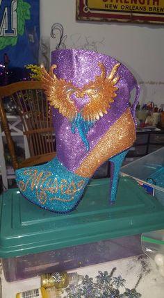 2016 Muse shoe by glitter artist Cari R
