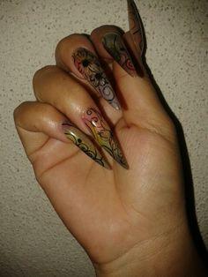 Ame mis uñas!!!!