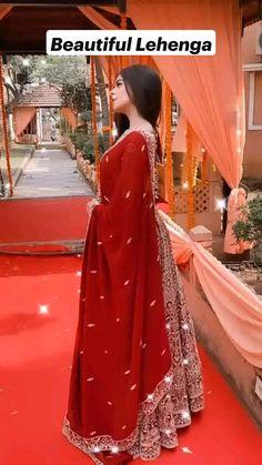 Party Wear Indian Dresses, Designer Party Wear Dresses, Indian Gowns Dresses, Indian Fashion Dresses, Indian Designer Outfits, Muslim Fashion, Bridal Dresses, Beautiful Dress Designs, Beautiful Dresses For Women