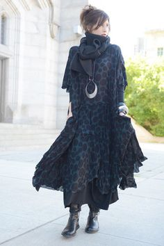 Modena Dress by Kaliyana (Love this look and the necklace too).