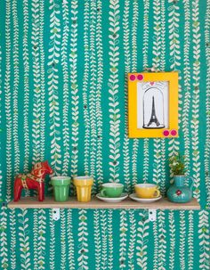 """IKEA Family Live """"A vibrant apartment in Tokyo"""" leaf strand wallpaper Home Interior, Interior And Exterior, Modern Interior, Interior Design, Textures Patterns, Print Patterns, Turquoise Wallpaper, Green Wallpaper, Bright Wallpaper"""