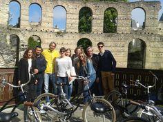 Super tour avec une adorable famille Belge et un couple pas adorable venu de Bastia :) #BdxBikeTour #VisiterBordeaux #Bordeaux