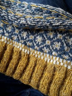 Ravelry: hinke's A colorwork cardigan, one or another