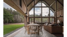 Paul Uhlmann Architects builds barn-like rural retreat in. Best Picture For Architecture House con American Barn, Modern Barn House, Barn House Design, House Games, Timber Beams, Rural Retreats, Ground Floor Plan, The Design Files, Zara Home