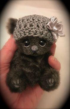The Creative Tedd: November 2017 Diy Teddy Bear, Vintage Teddy Bears, Cute Teddy Bears, Sock Animals, Baby Animals, Cute Animals, Tiny Teddies, Teddy Bear Pictures, Cute Fantasy Creatures