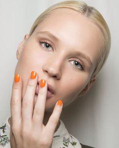 Tangerine is the new black! Cambia el vino por el naranja y recibe la nueva estación cargada de buena energía. Te damos las claves para lograrlo en lista en www.harpersbazaar.mx. #HarpersBazaarMx #BazaarMx #ThinkingFashion #TelevisaLuxuryMedia #BeautyBazaar  via HARPER'S BAZAAR MEXICO MAGAZINE OFFICIAL INSTAGRAM - Fashion Campaigns  Haute Couture  Advertising  Editorial Photography  Magazine Cover Designs  Supermodels  Runway Models