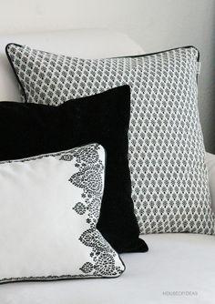 HOUSE of IDEAS black&white pillow http://www.houseofideas.de/epages/63830914.sf/en_US/?ViewObjectPath=%2FShops%2F63830914%2FCategories%2F%22PB%20home%22