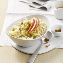 """Weight Watchers Apfelporridge; Im Herbst / Winter mit etwas Zimt und Vanille ein leckeres """"süßes"""" Frühstück oder für mittags eine tolle Mahlzeit. Yammi <3"""