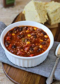 Best Ever Quinoa Chili {vegan and gluten-free} - With cornbread recipe!