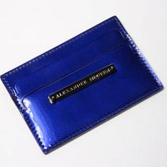 Authentic Alexander McQueen card holder navy blue Used but in great condition,corners are in worn condition, color is navy blue, 100% authentic,❌NO TRADE‼️ Alexander McQueen Accessories Key & Card Holders