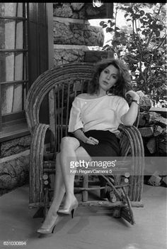 Actress Carrie Fisher is photographed in 1983 at home in Los Angeles California CREDIT MUST READ Ken Regan/Camera 5 via Contour by Getty Images Carrie Fisher, Star Wars Cast, Leia Star Wars, Hollywood Actresses, Old Hollywood, Starwars, Billie Lourd, The Blues Brothers, Debbie Reynolds