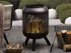 Warm up the chilly evening with this classic outdoor fire pit. Traditional cylindrical shape and modern design make the piece an ideal complementary piece for your garden. Fire Pit Top, Rim Fire Pit, Shiga, Fire Pit Supplies, Outdoor Fire, Outdoor Decor, Terrasse Design, Fire Pit Party, Fire Pit Designs