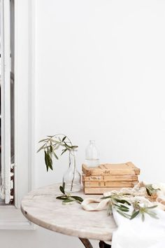 sfgirlbybay / bohemian modern style from a san francisco girl Home Interior, Interior Styling, Interior And Exterior, Minimalist Lifestyle, Minimalist Home, Wabi Sabi, Piece A Vivre, Slow Living, Lifestyle Photography