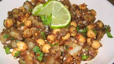 Indian Food Recipes To Make At Home - Food.com Indian Salads, Indian Snacks, Indian Food Recipes, Ethnic Recipes, Indian Dishes, Unique Recipes, Chana Chaat Recipe, Chickpea Snacks, Comida India