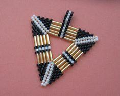 KIKI GYÖNGYEI: Peyote háromszögek szalmával - triangle pendants with bugle beads