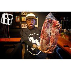 New one. もちろん、リニューアルするのは 店内だけではございませんよ。  メニューだってそう。  全てにおいて次のレベルへと… 画像を通じてヒントを。  PT life.. #pt#パスタン#奄美大島#肉#リニューアル#新メニュー#me#ptlife#passetemps#food#meat#stake#junkfood#islandlife#good#big#yummy#tattoo#beef