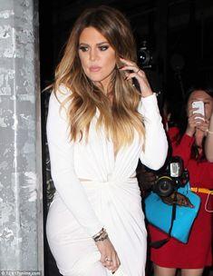 6fb4e085d454 Khloe Kardashian wears white to celebrate her 30th aboard a yacht