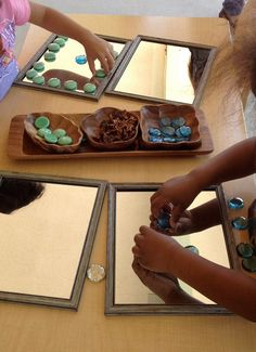 Mirrors & loose parts. The Inspired Child ≈≈