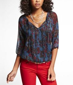 #Express Jeans- FLORAL PLEATED FRONT BANDED BOTTOM BLOUSE