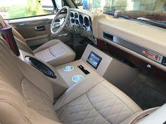 Chevy C10, 86 Chevy Truck, Classic Chevy Trucks, Custom Car Audio, Custom Cars, Dually Trucks, Pickup Trucks, Ford Obs, Car Console