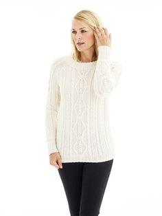 Modellen er strikket i No.4 Organic Wool+Nettles (70% økologisk uld+30% nældefibre).  [url=http://www.onion.dk/no-4-organic-wool-nettles/ target=_blank]KLIK HER for at se alle farver i garnet[/url] (åbner i ny fane, som kan klikkes væk igen).  Størrelse:                         S     (M)      L      (XL) Overvidde, model:           80    (90)   104   (118)  cm Passer overvidde op til:  90   (100)  114   (128)  cm Længde, model:              60    (62)    64 ...